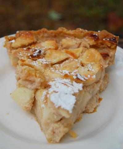 Sour Cream Apple Pie | NeoHomesteading