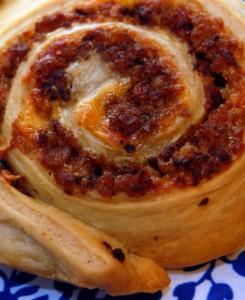 Schnecken (snail rolls) : sausage & cheddar, cinnamon & honey