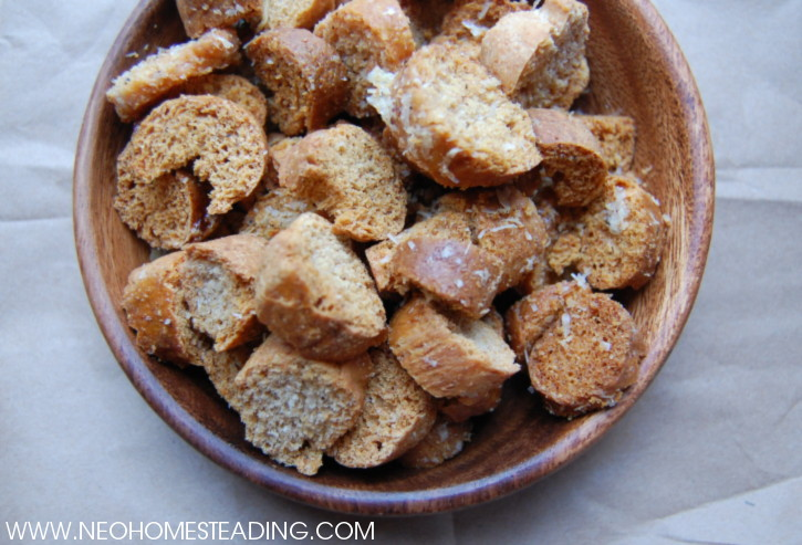 HOMEMADESOURDOUGHCROUTONS