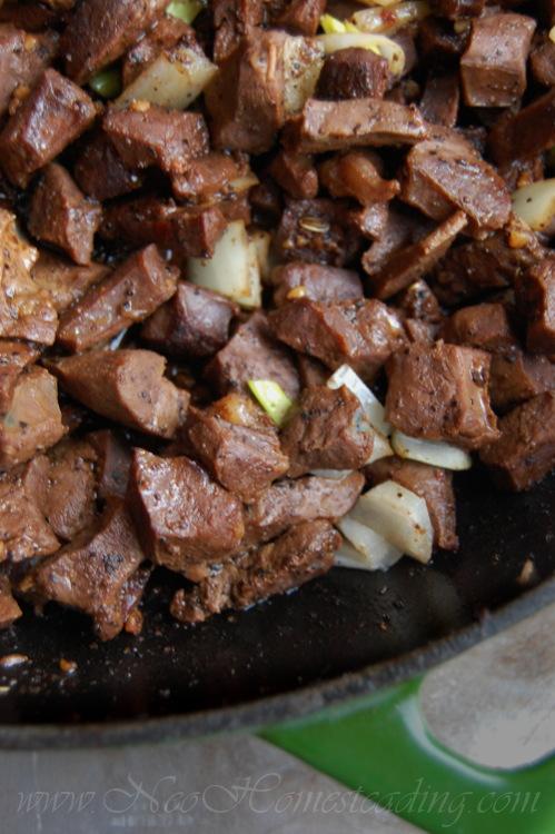Peppered Beef Heart Steak Bites | NeoHomesteading